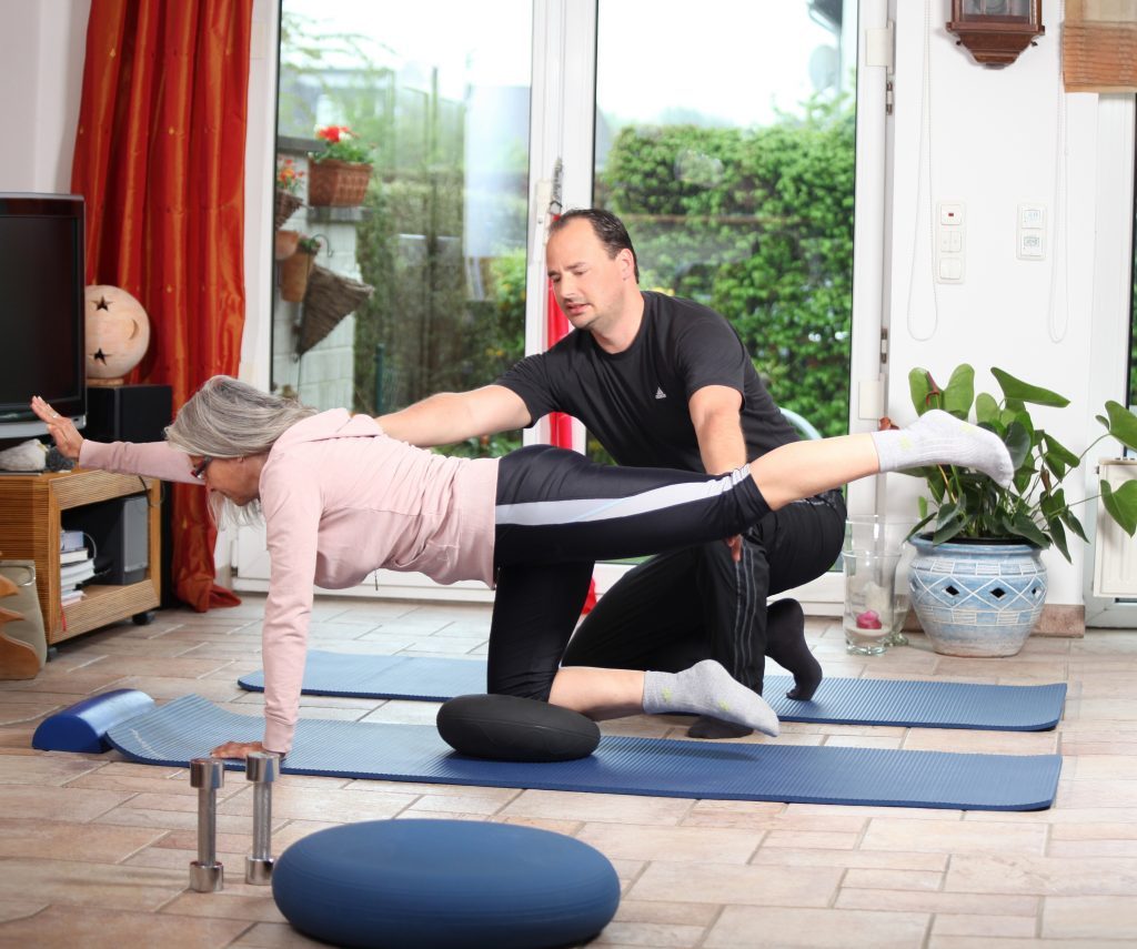 Personal Trainer Philip Messerschmidt beim Balance-Training